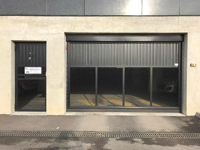 Porte de garage Black Stone